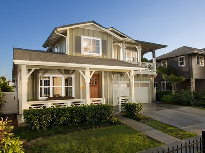10 Inspiring Exterior House Paint Color Ideas on house color ideas, home paint ideas, mailbox paint ideas, exterior stain ideas, exterior colors, exterior paint schemes, water paint ideas, wall paint ideas, living room paint ideas, exterior door ideas, floor paint ideas, concrete paint ideas, exterior design paint ideas, home improvement ideas, man cave paint ideas, kitchen paint ideas, dining paint ideas, insulation ideas, painting ideas, exterior building paint ideas,