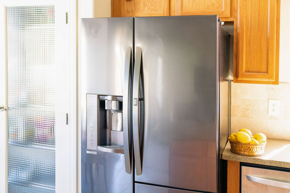 Stainless steal refrigerator not cooling in kitchen