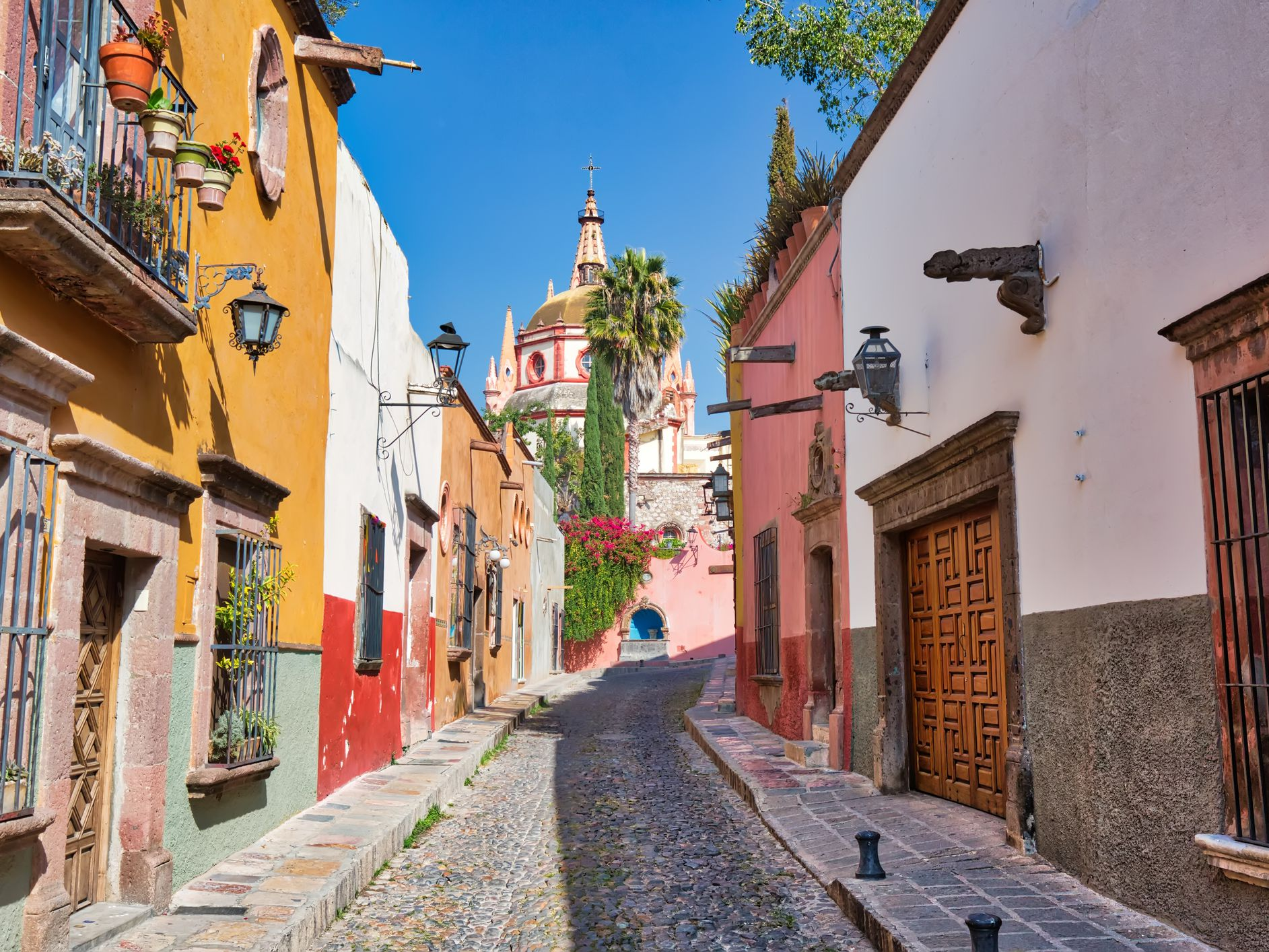Moving to Mexico: How Safe Is It to Live in Mexico?
