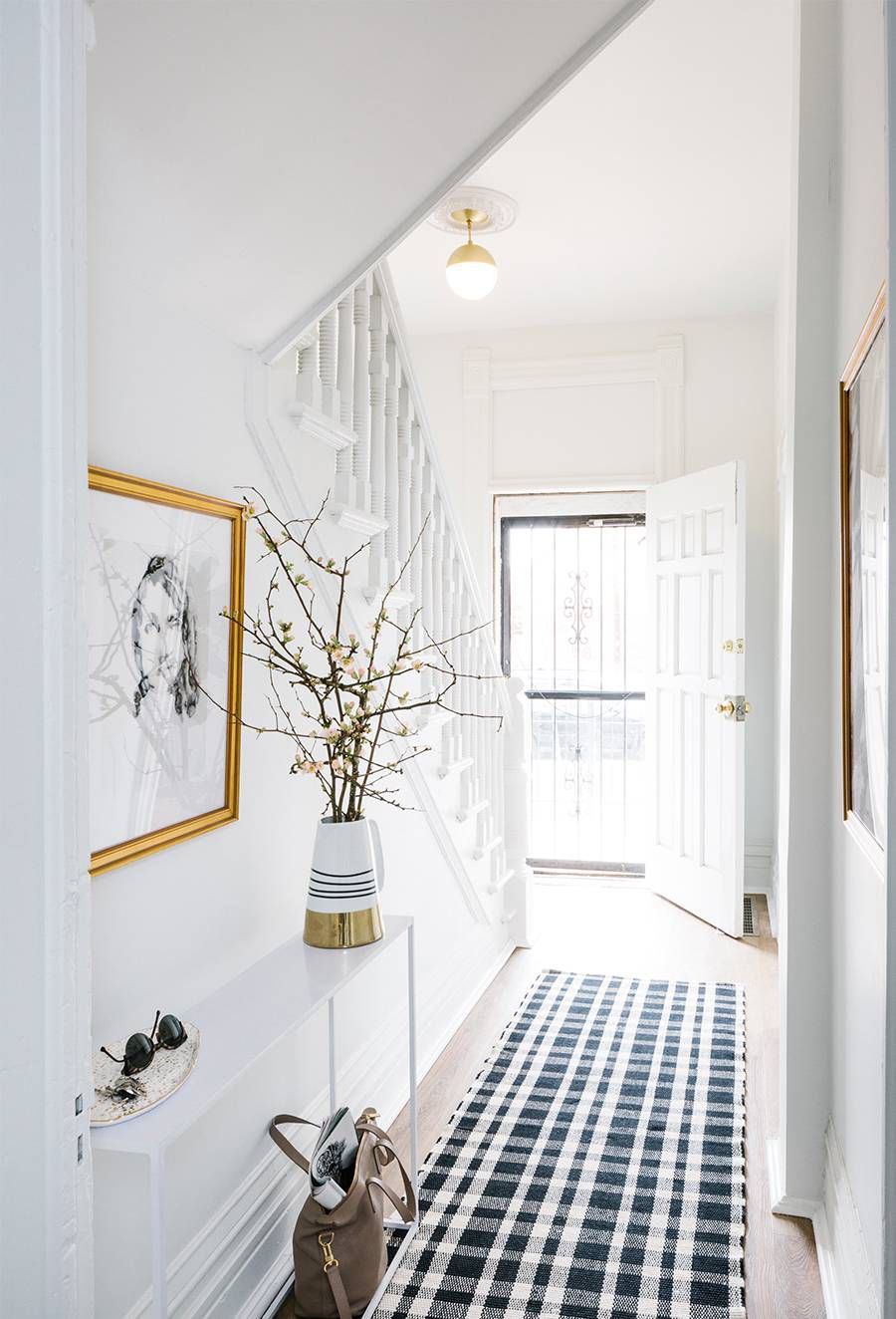Large Mirror Entryway Ideas