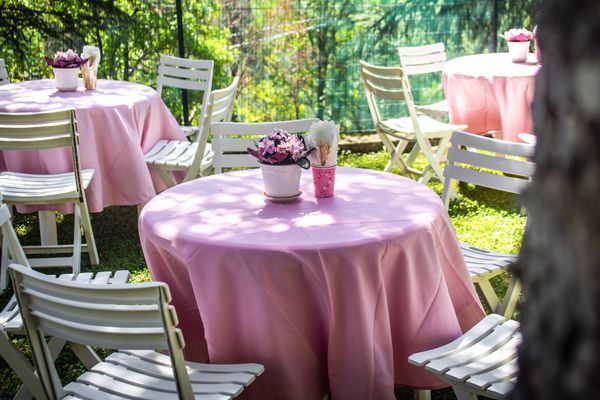 a round tablecloth