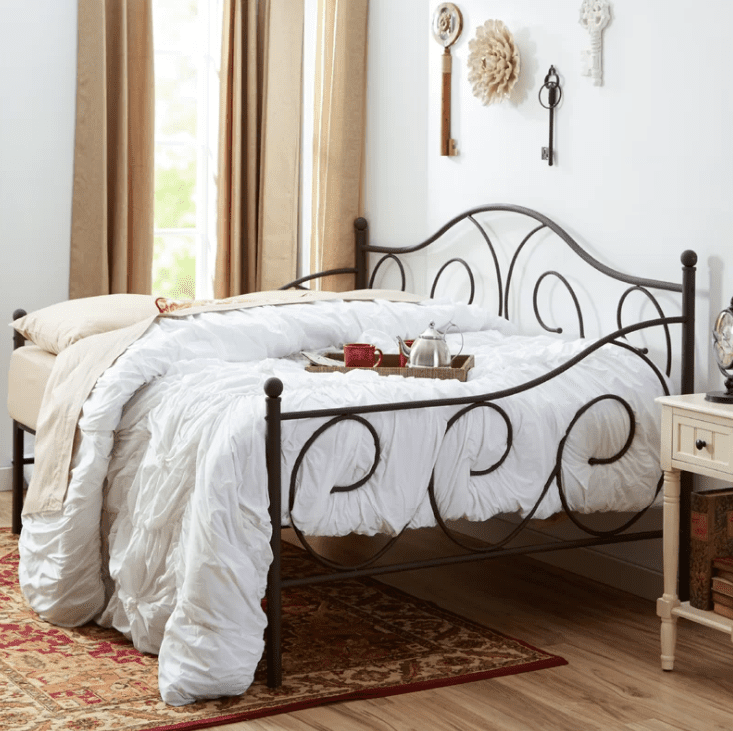 The 9 Best Daybeds To Buy In 2018