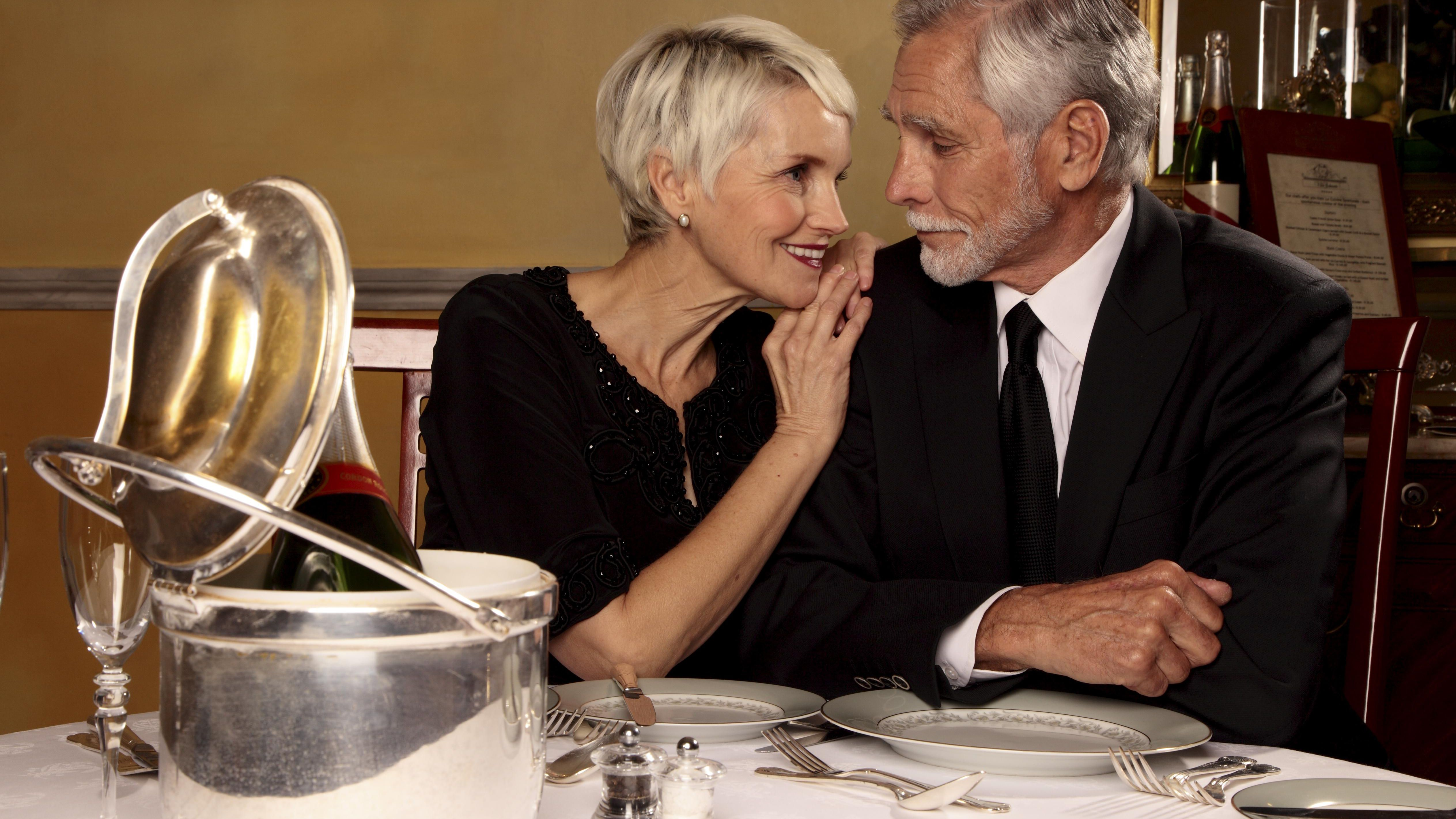 Silver Gift Traditions And Customs For 25th Wedding Anniversaries