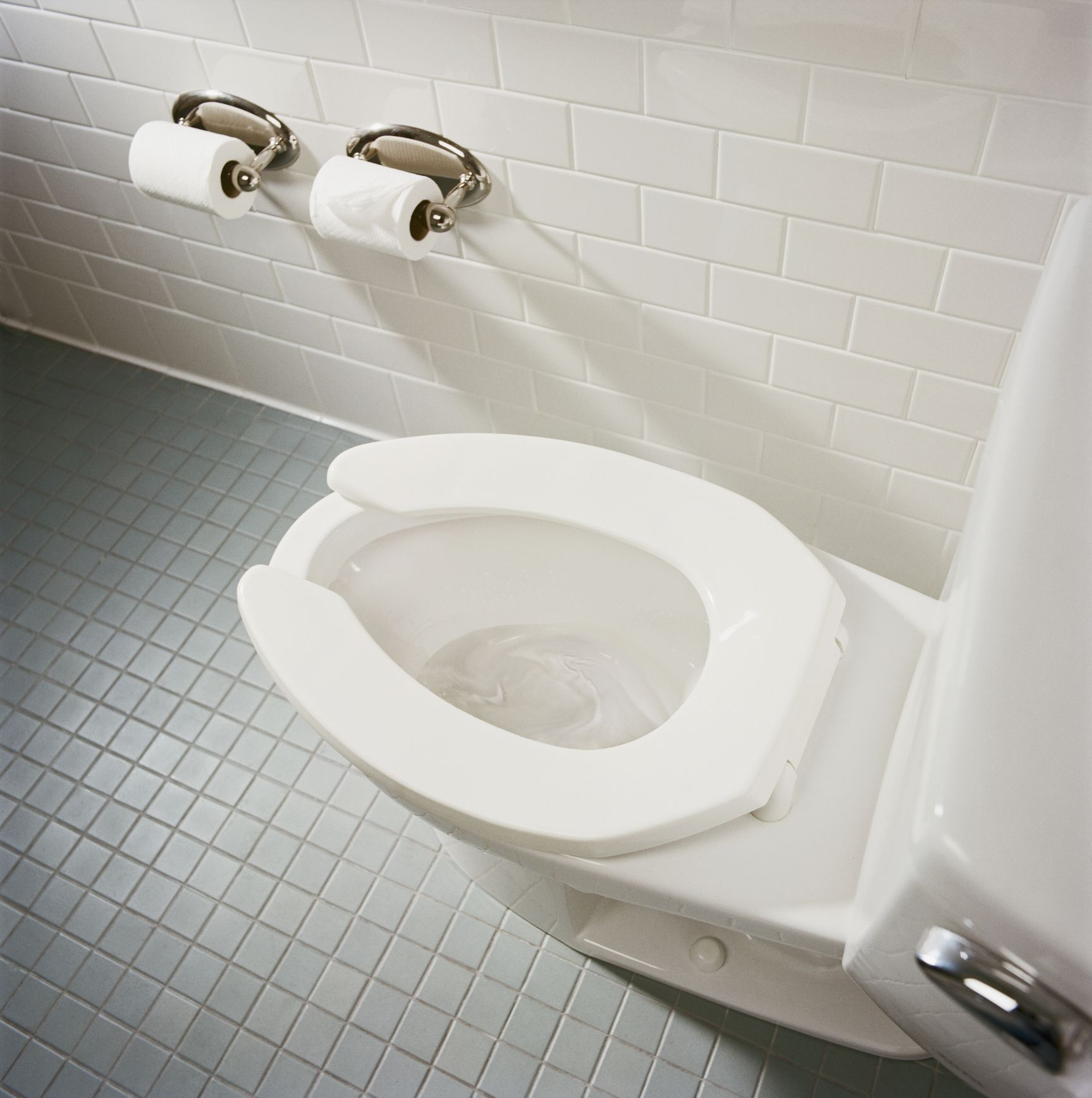 How To Properly Set A Toilet To Avoid Leakage