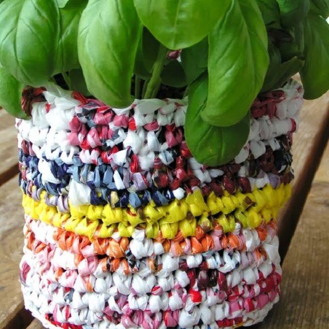 DIY flower pot.