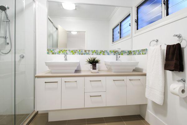 Modern bathroom with wall mirror