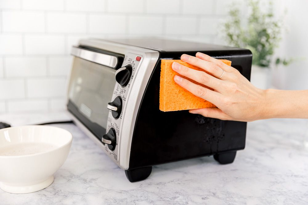 cleaning the outside of the toaster oven