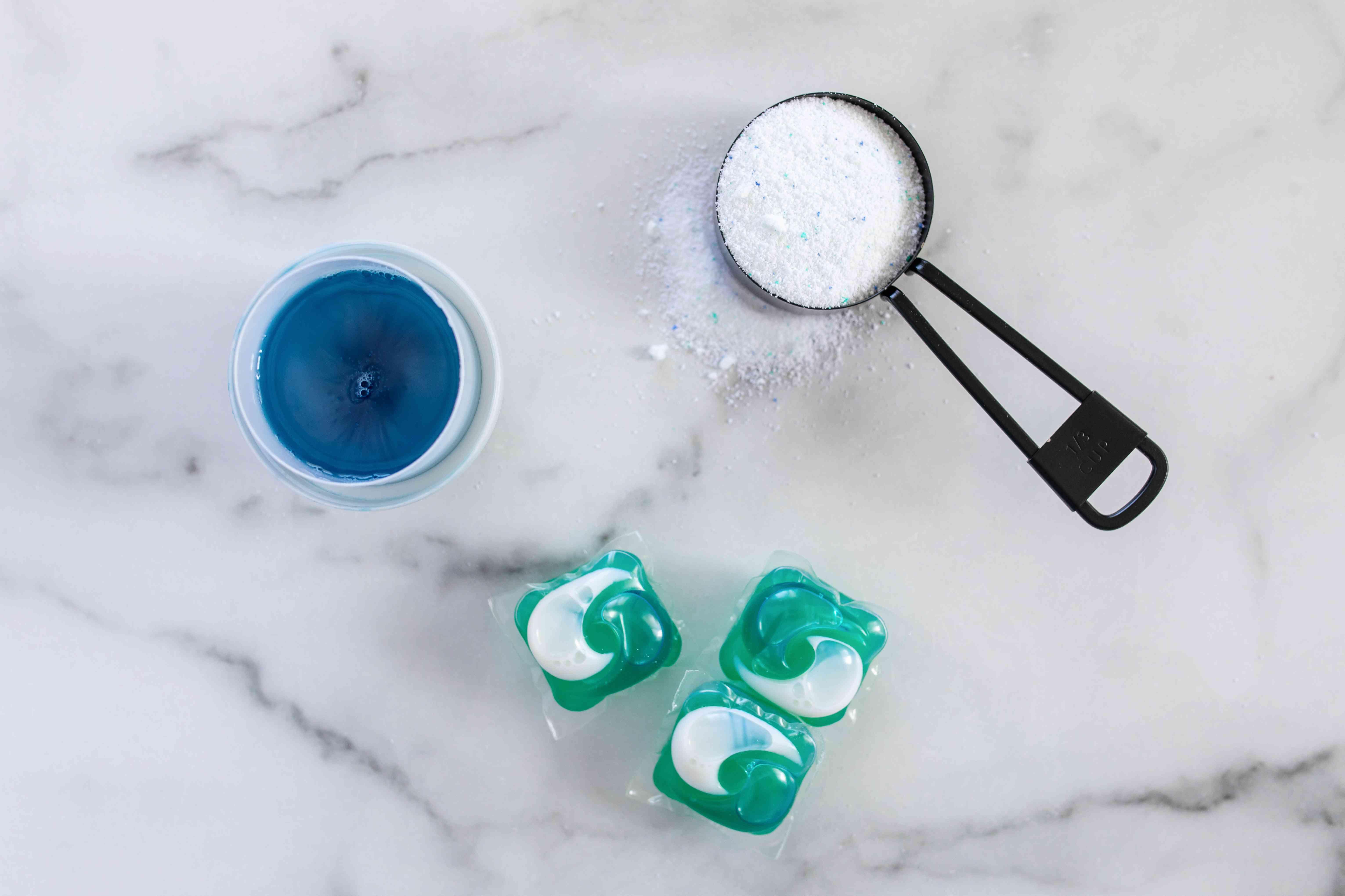 three types of laundry detergent