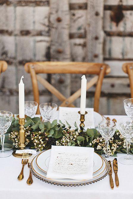 Centro de mesa para bodas Waxflower y Garland Spring