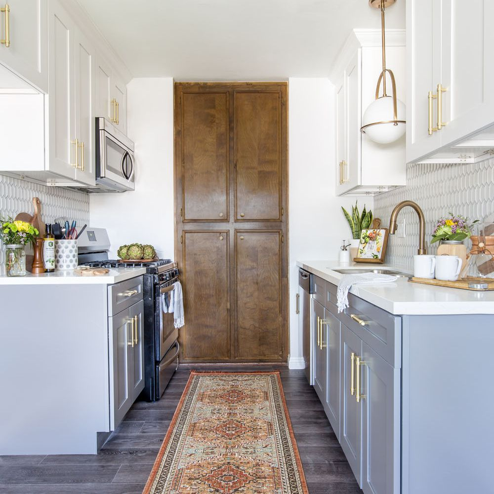 21 Ways To Style Gray Kitchen Cabinets