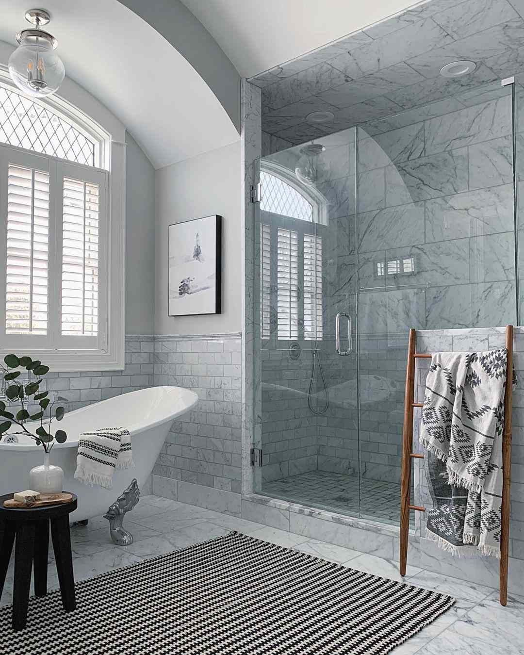 Bathroom with floor to ceiling tiles
