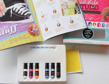 Klutz Nail Style Studio Kit