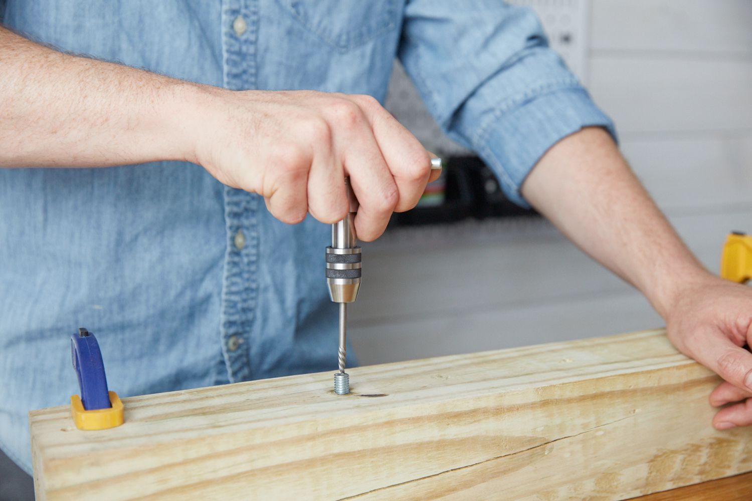 How To Remove A Damaged Screw Or Bolt With An Extractor