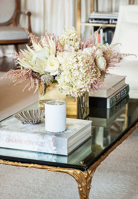 Flower Coffee Table.15 Pretty Ways To Style A Coffee Table