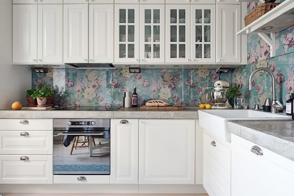 Fun, colorful backsplash