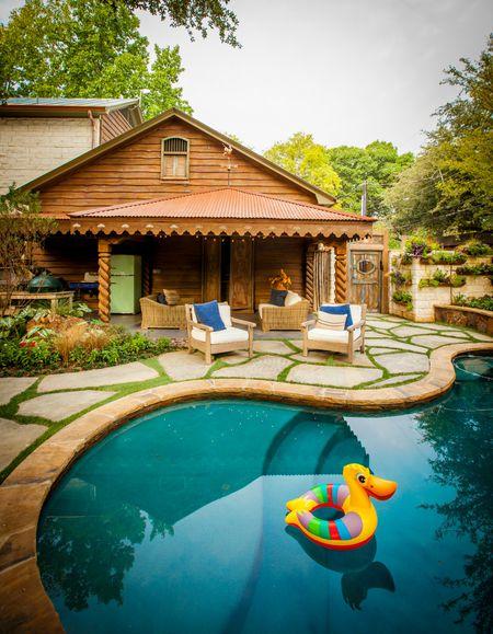 Curvilinear Pool Designs