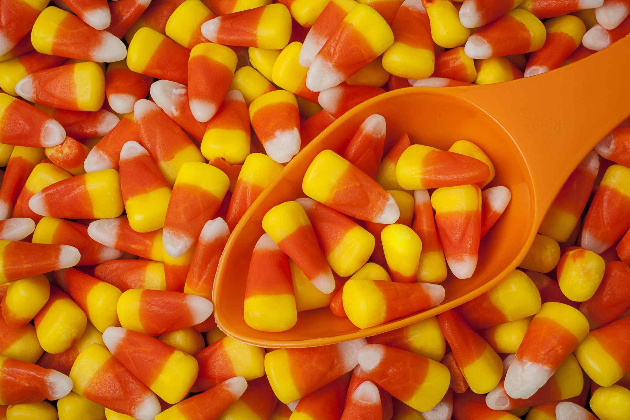 Maíz dulce y cucharada de naranja