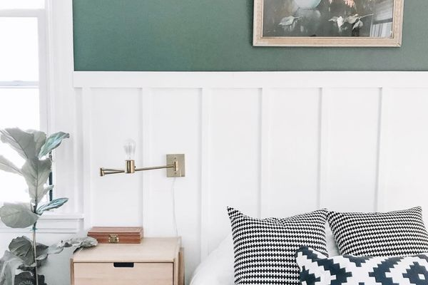Bedroom with green paint