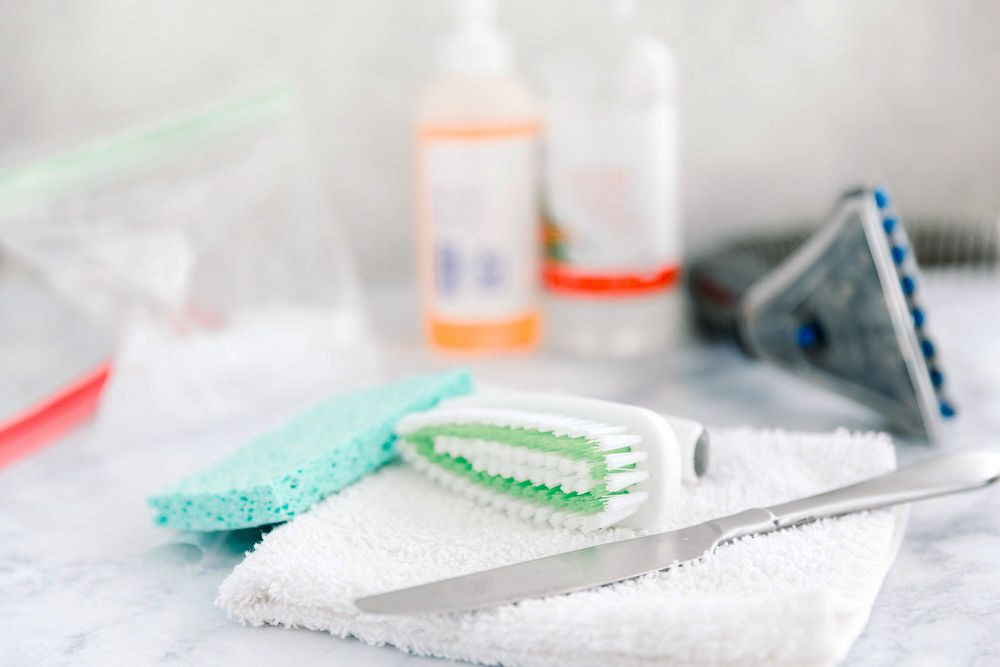 materials for removing gum stains