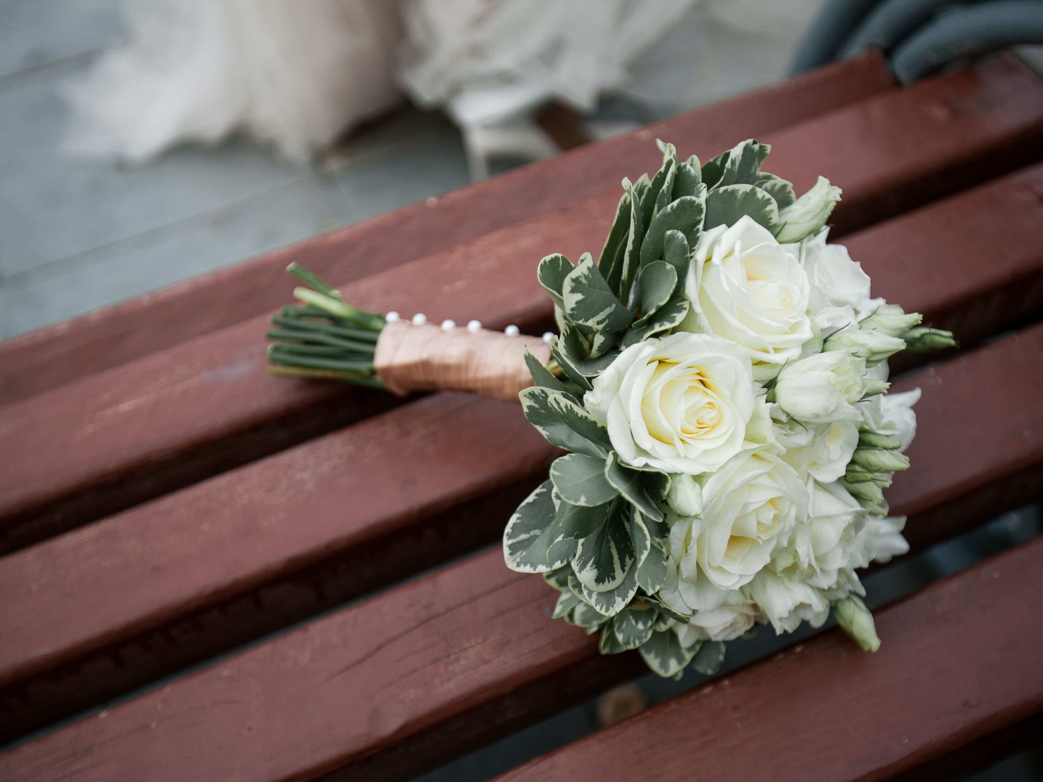 Inspirational And Elegant White Bridal Bouquets