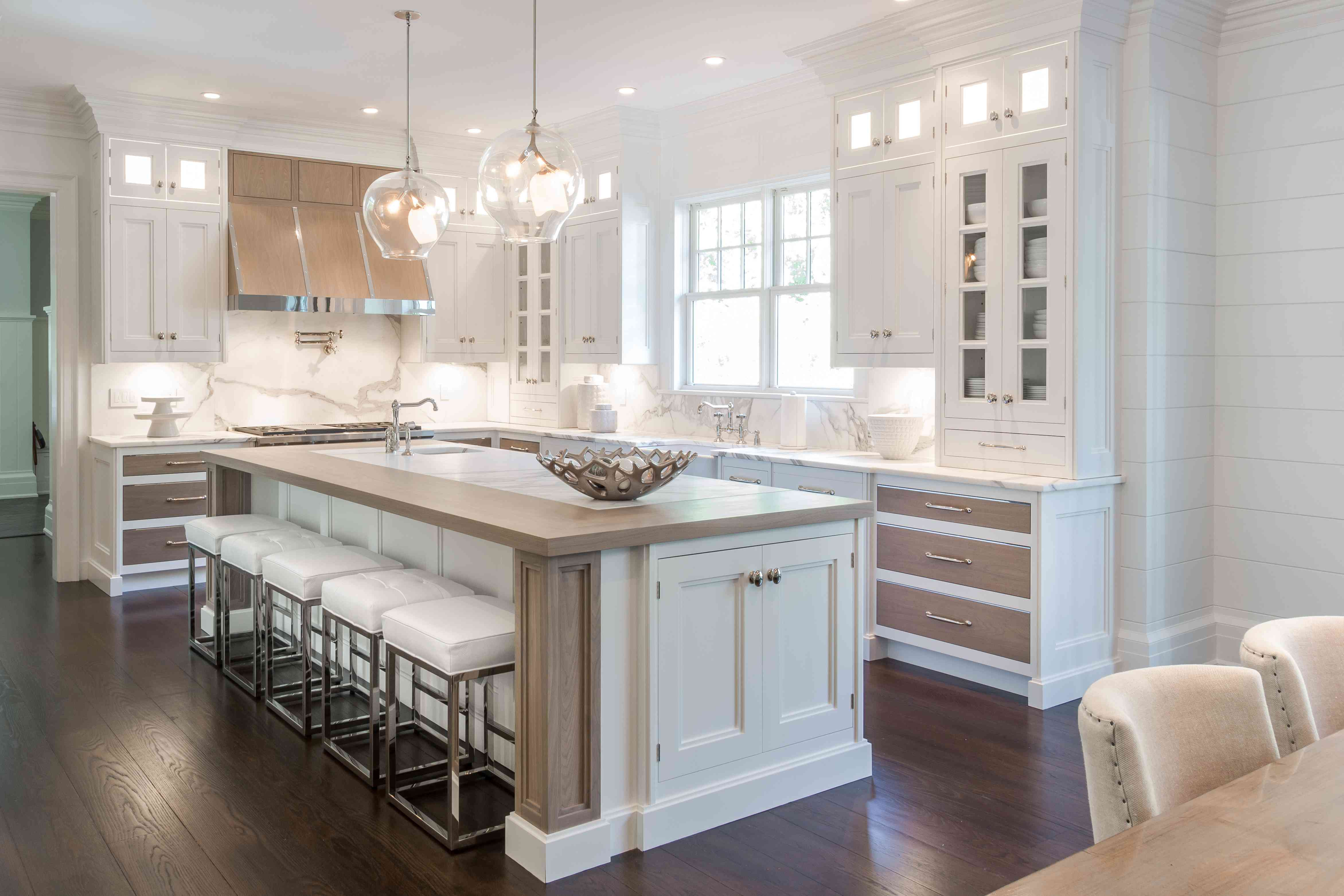 Kitchen without triangle rule by Bakes & Kropp