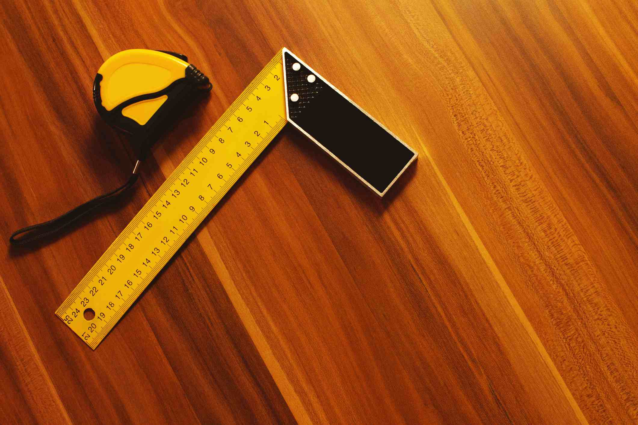 Ruler and measuring tape