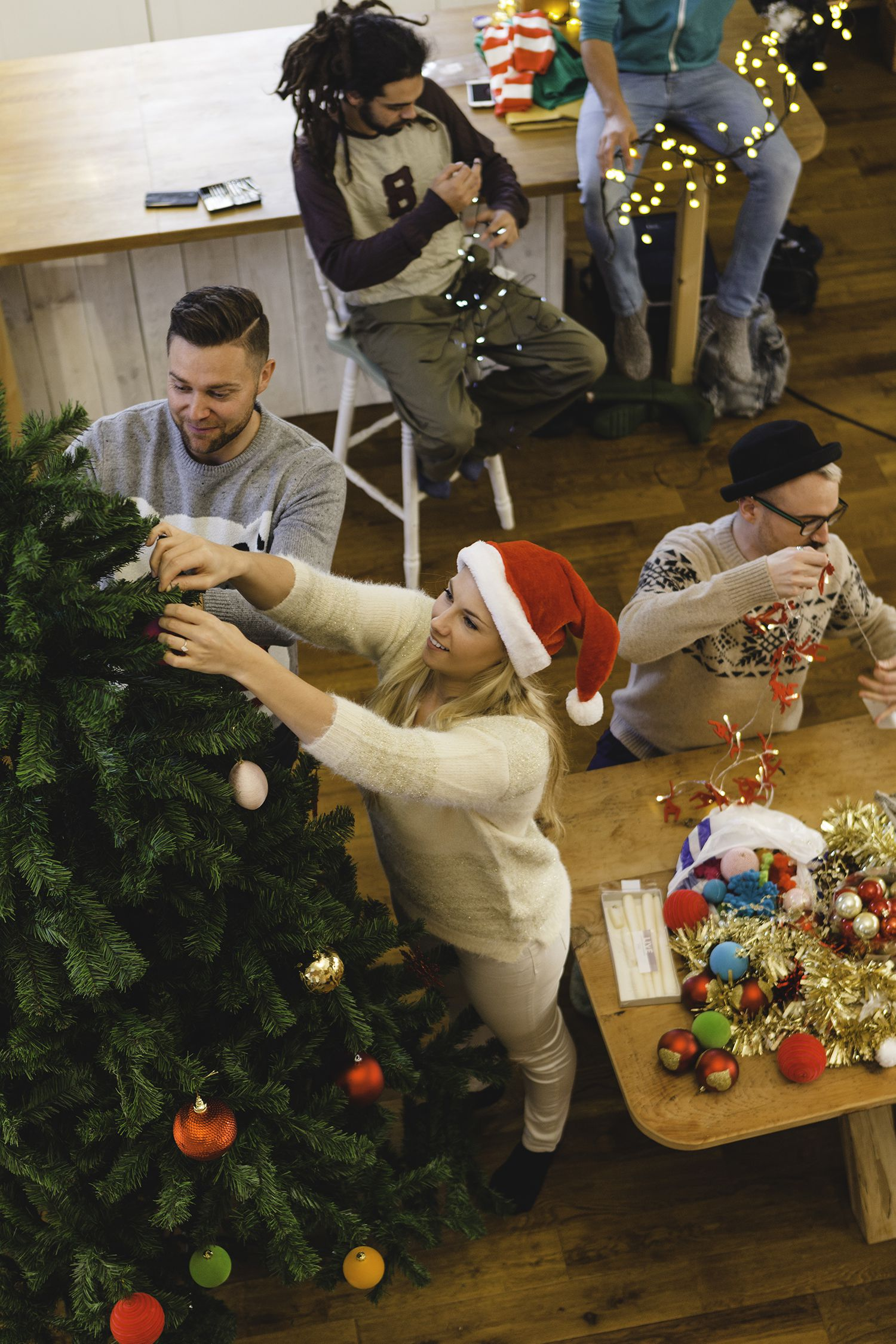 10 Ideas for a Tree Trimming Party