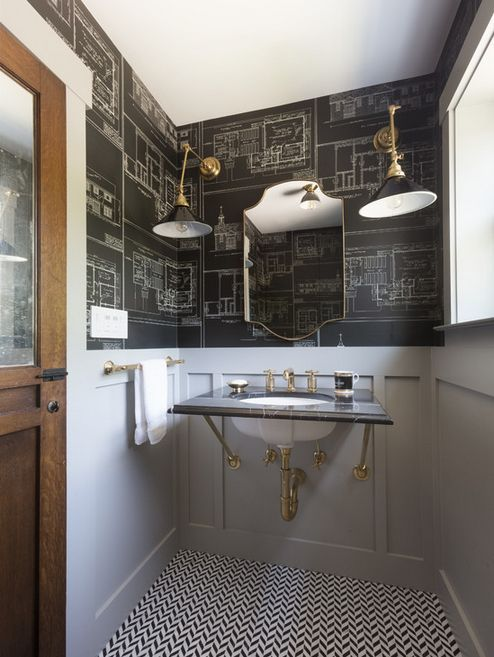 Papel tapiz en capas en un baño