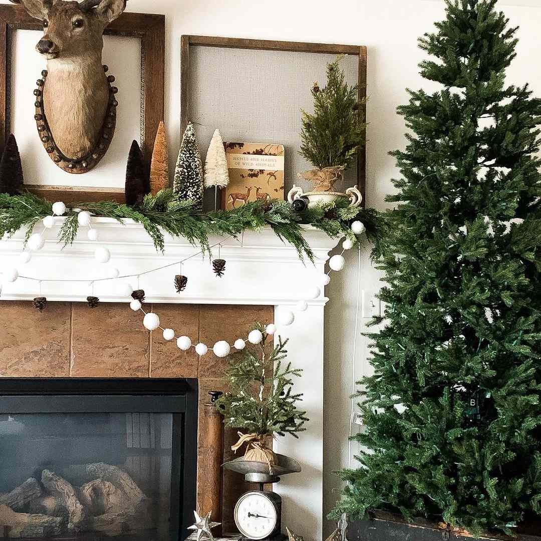 Simple Christmas decor with bead strings