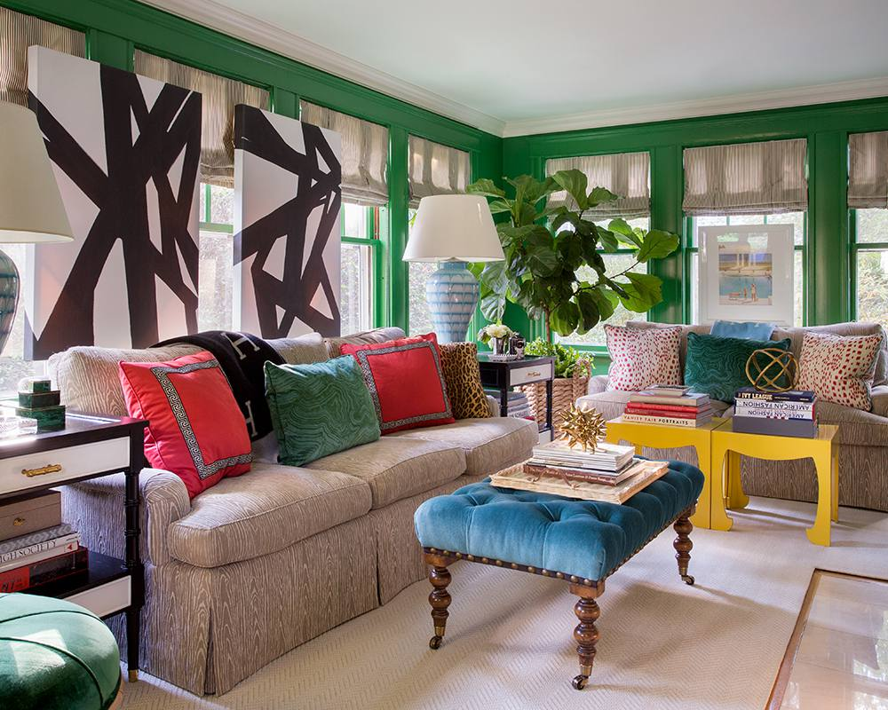 Green walls in traditional Living room