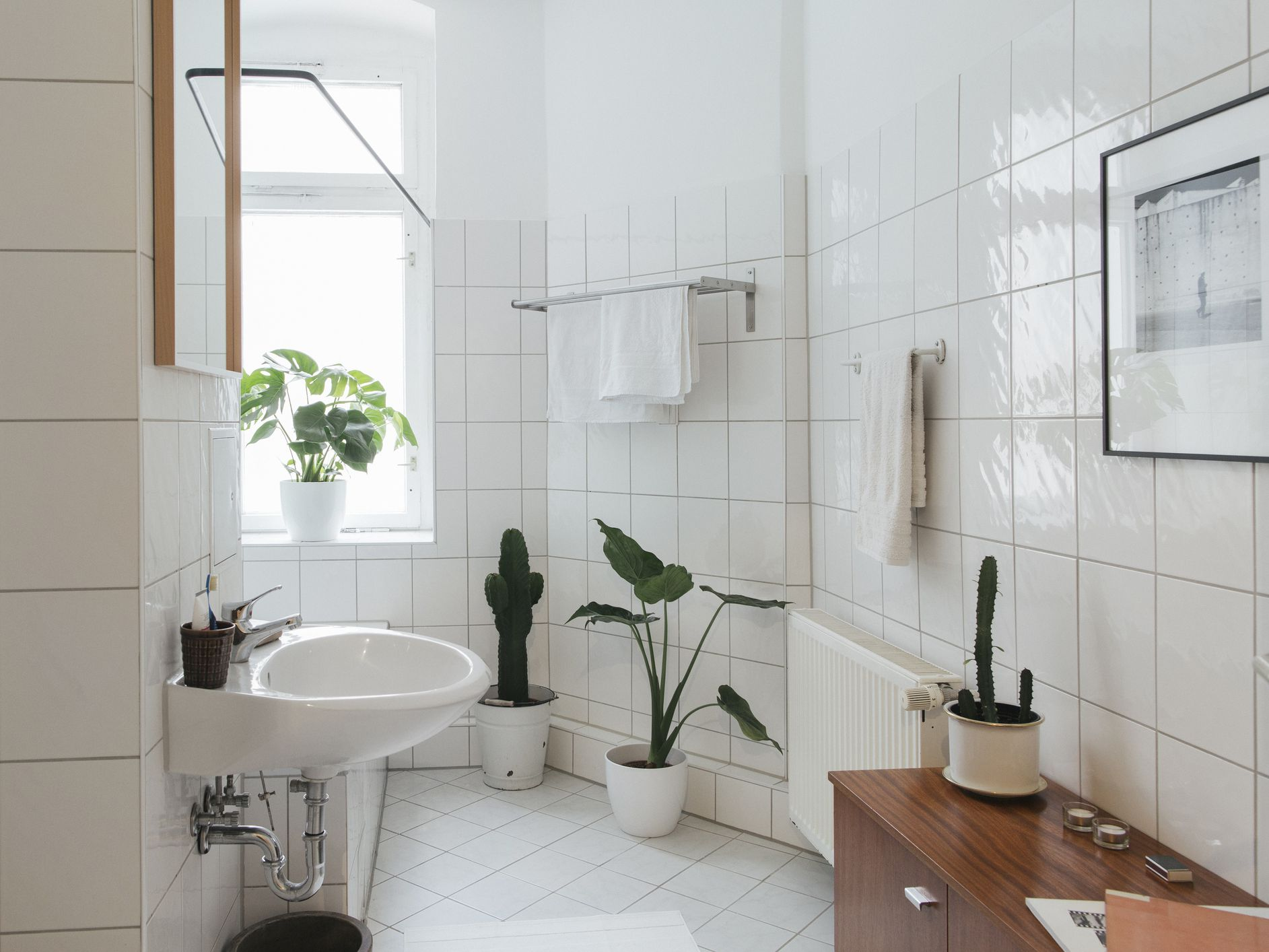 A Small Bathroom Needs The Right Sink
