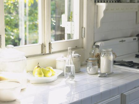 Idea Instant Retro By Using White Tile On Kitchen Counter