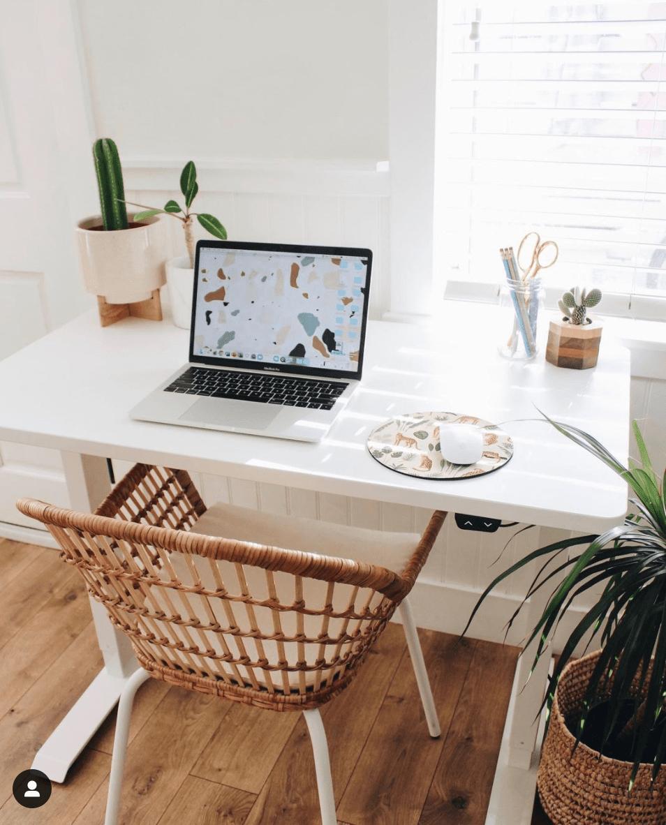 Super Useful DIY Desk Decor Ideas