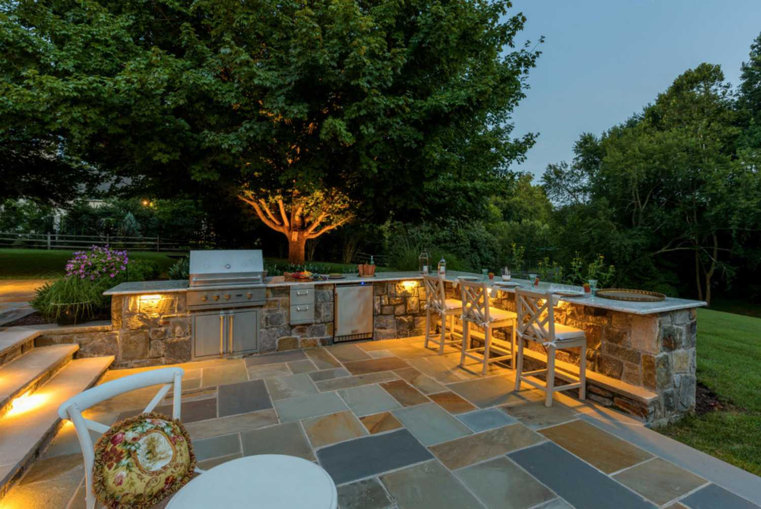 16 Outdoor Lighting Designs To Spark Ideas