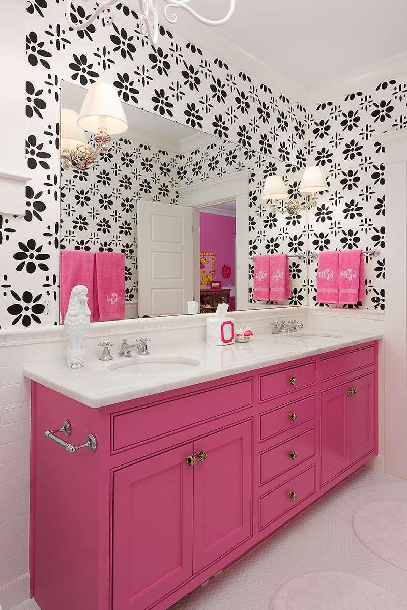 Black, white, and hot pink teen bathroom