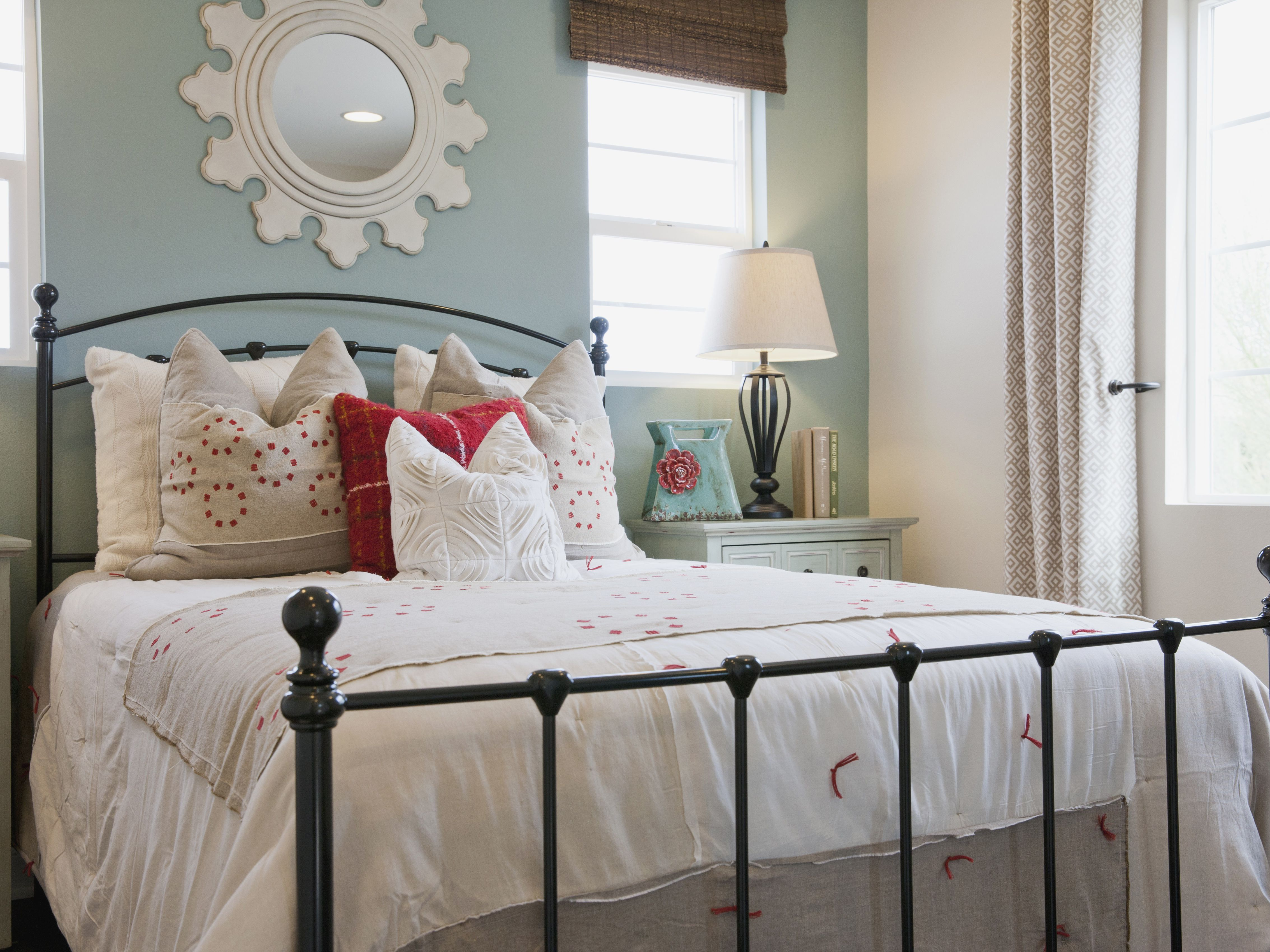 Decorating A Shabby Chic Bedroom