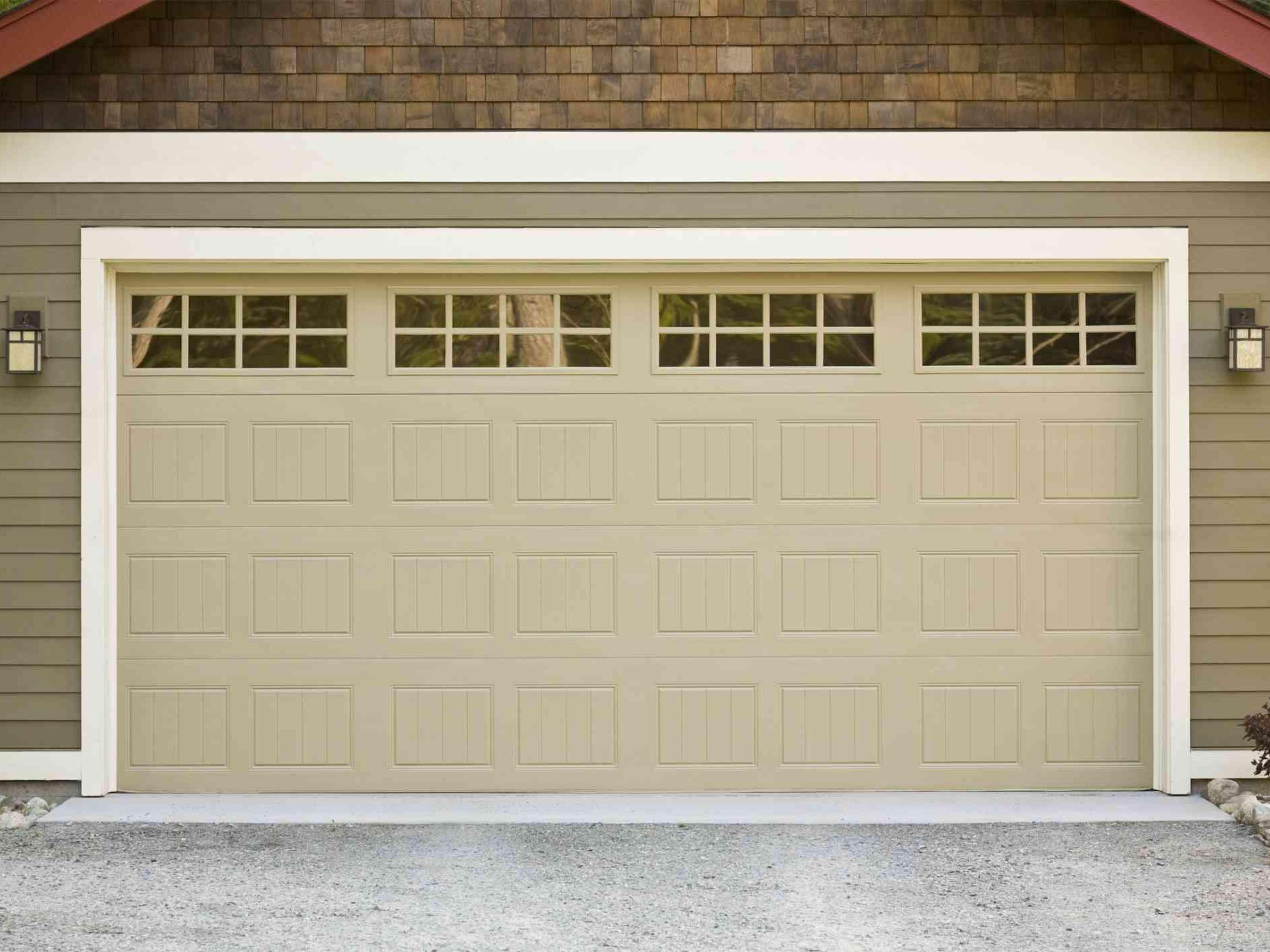 How Much Should a New Garage Door Cost to Be Installed?