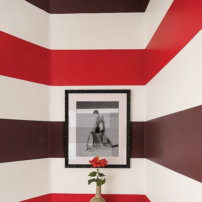 Bathroom with large color stripes