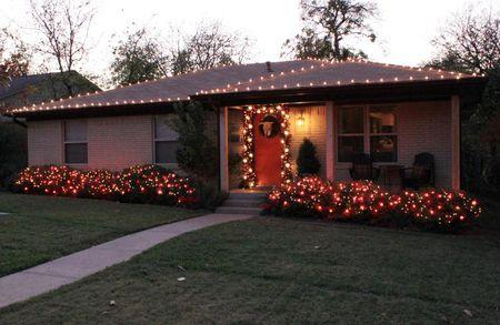 outdoor christmas lighting in texas