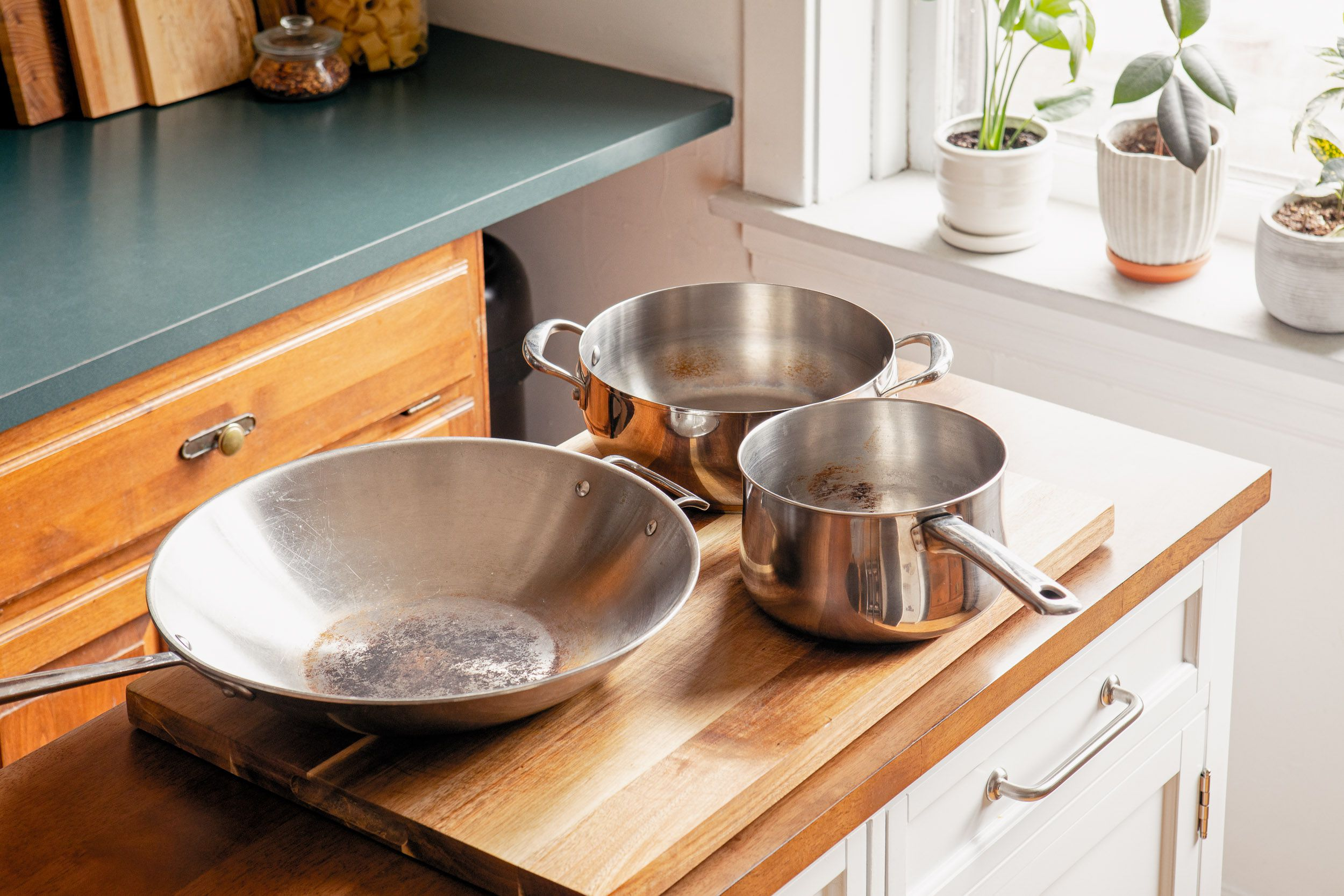 How To Remove Rust And Food Stains From Stainless Steel