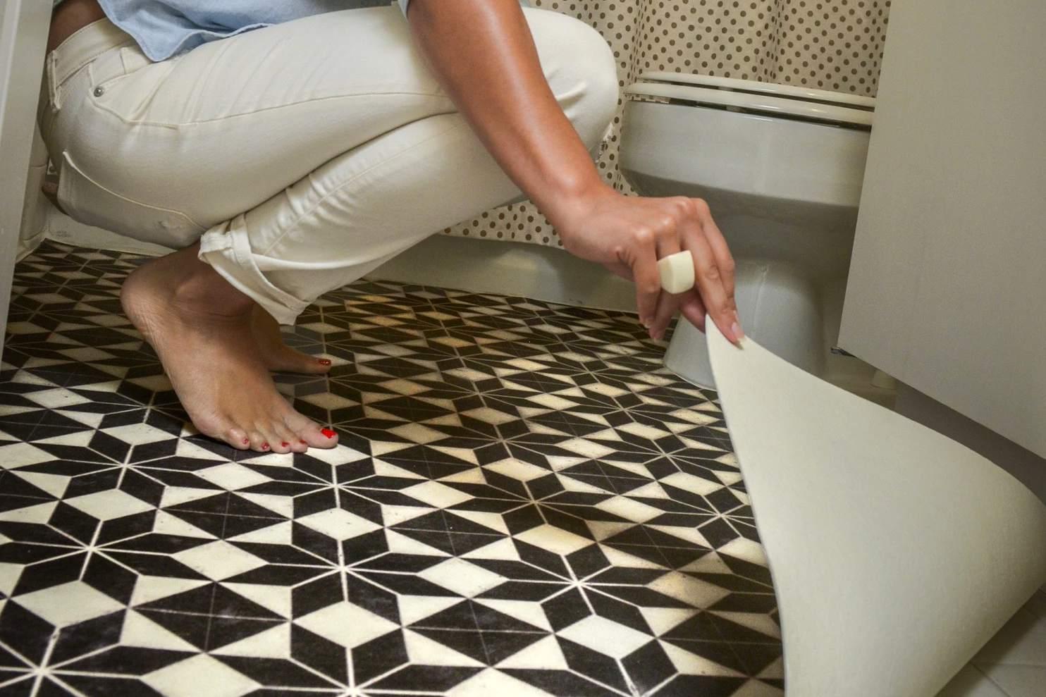 Vinyl bathroom floor cover