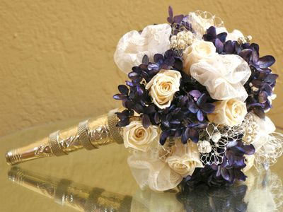 How To Make Wedding Flower Arrangements And Bouquets