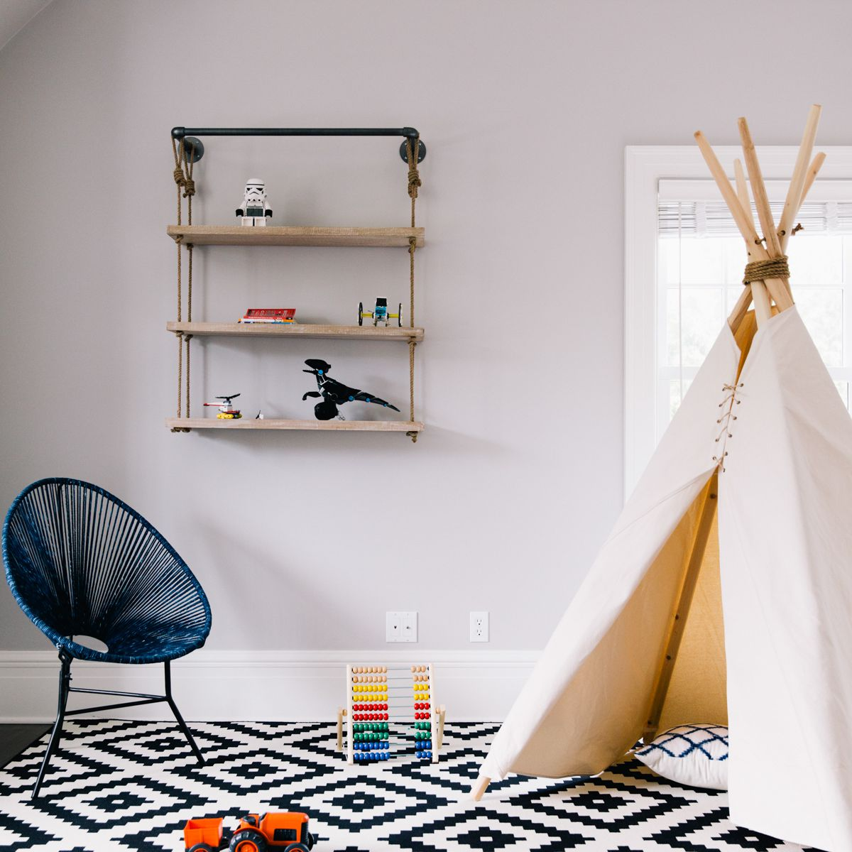 Boys bedroom with tent