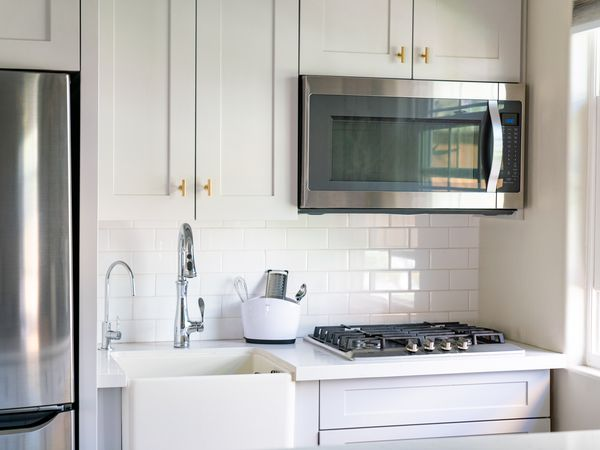 Kitchen cabinets with white paint colors