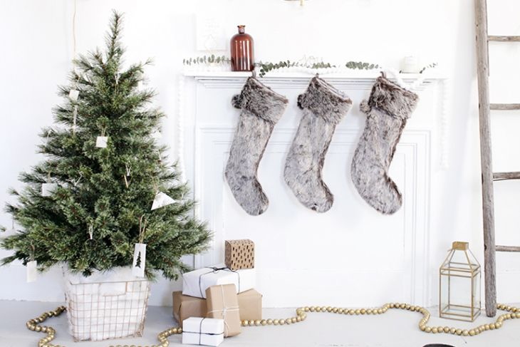17 christmas decorating ideas for small spaces - Small Christmas Tree Decorating Ideas