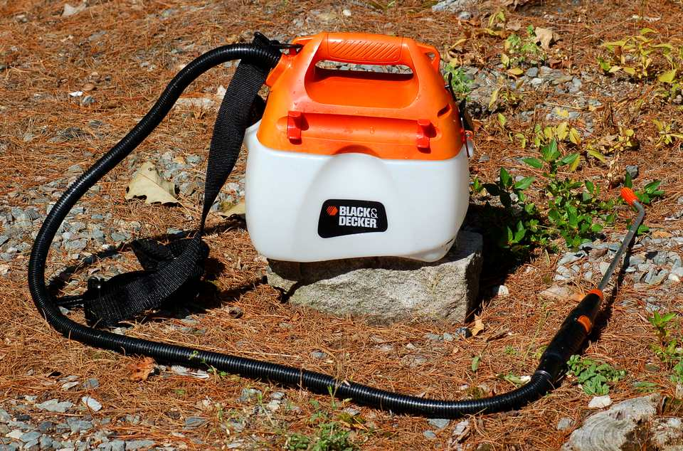 Black & Decker sprayer