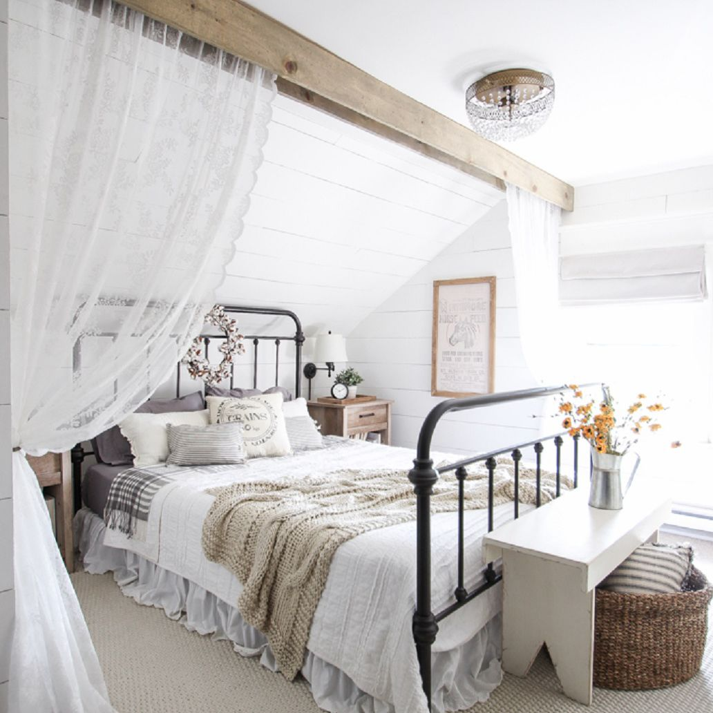 Picture of: 49 Decorating Ideas For Farmhouse Style Bedrooms