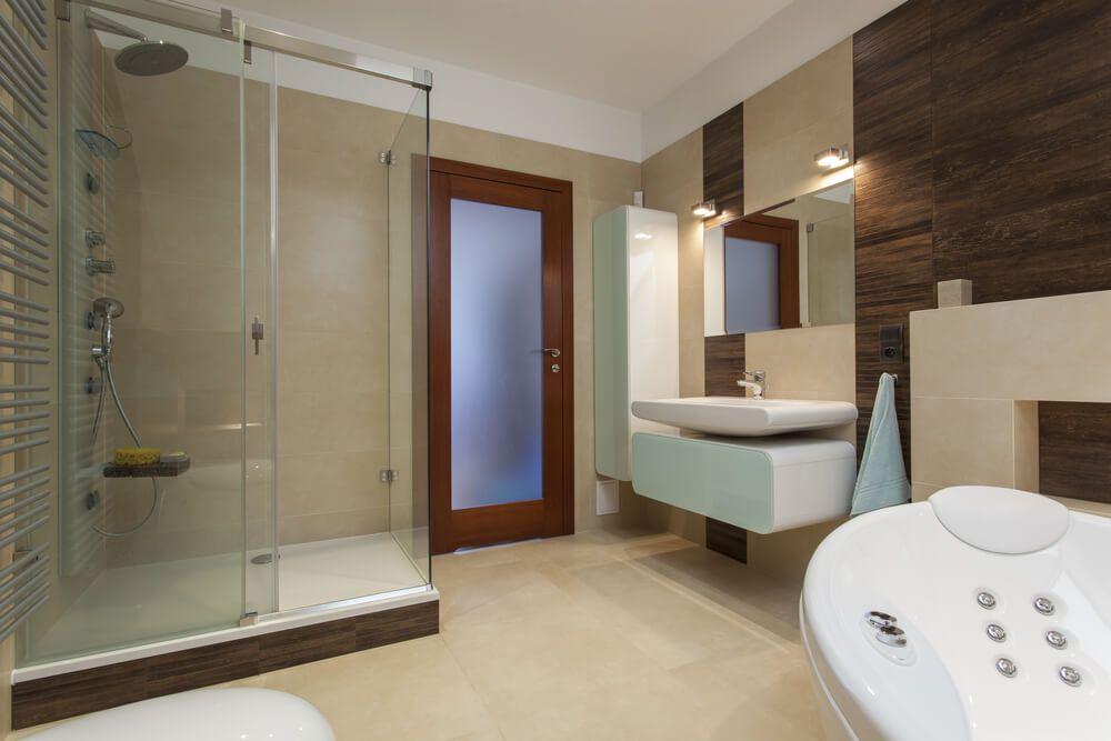 wood wall in a modern bathroom
