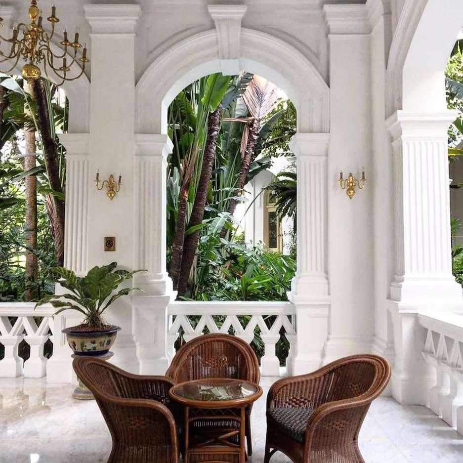 Outdoor patio British colonial decor