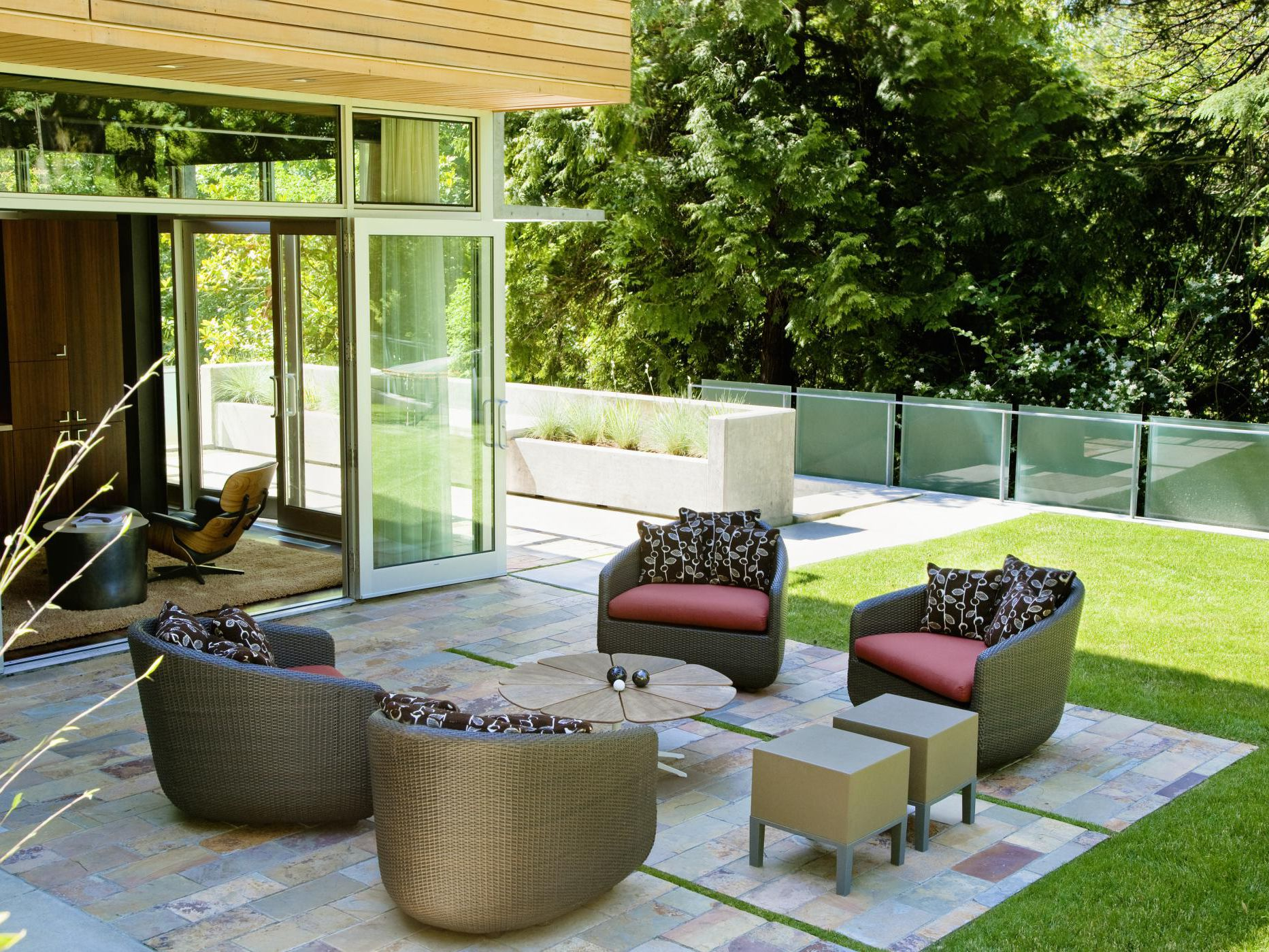 Difference Between A Patio And Deck